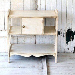 How To Antique Painted Furniture {10 Projects}
