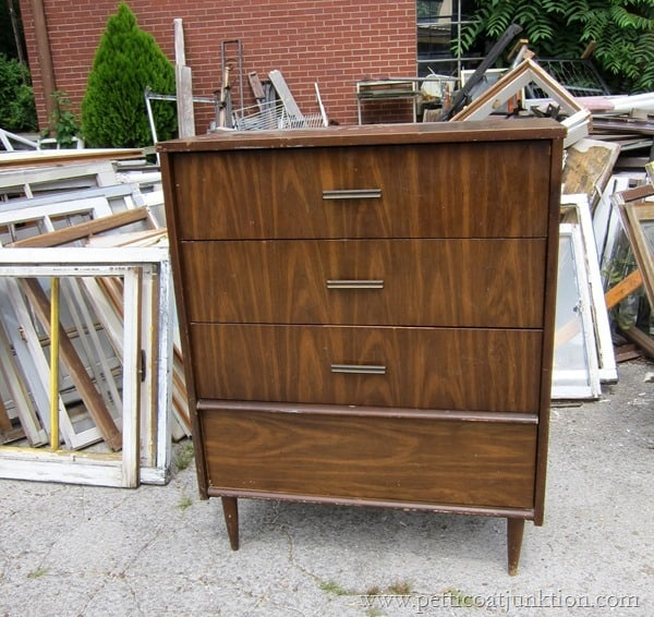 chest of drawers Petticoat Junktion