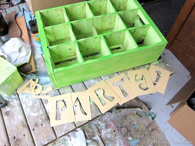 paint and stencil a soda crate petticoat junktion