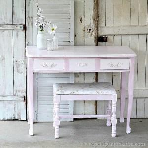 A Vain Vanity {Vintage French Provincial Furniture Makeover}