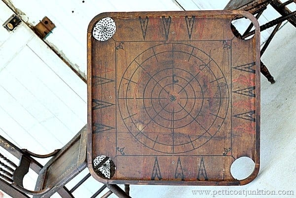 Exceptionnel Vintage Game Board Table