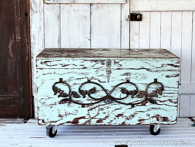 DIY Wood Blanket Chest Petticoat Junktion