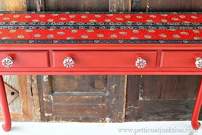 decoupage table Petticoat Junktion