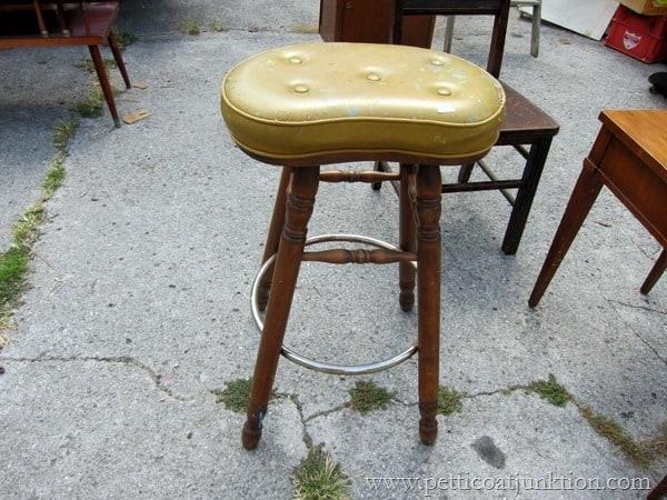 junky stool