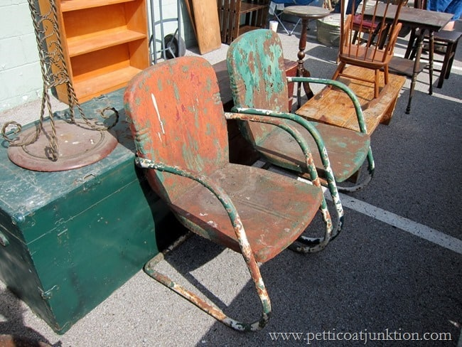 how to clean rusty metal chairs