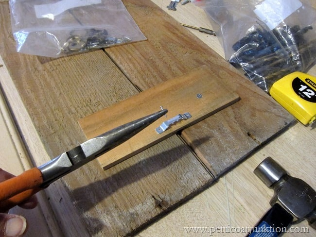 how to apply a sawtooth hanger Petticoat Junktion