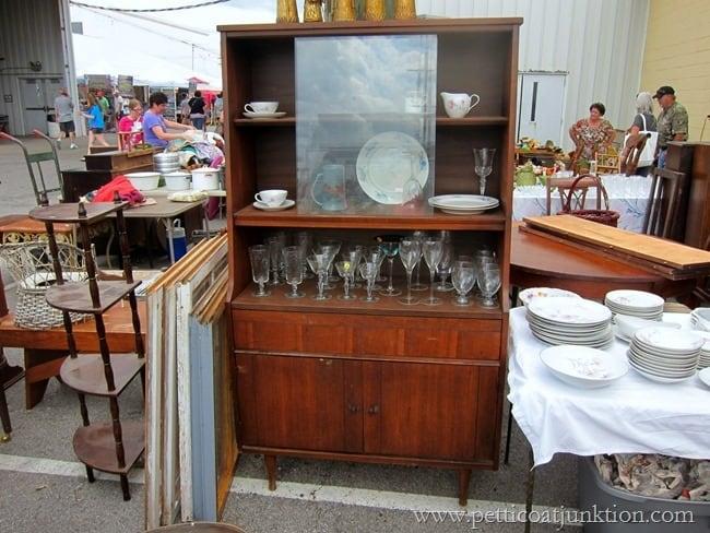 mid-century modern china Nashville Flea Market Petticoat Junktion