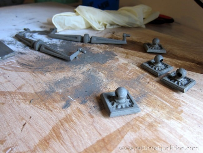 painting hardware Pettiocoat Junktion