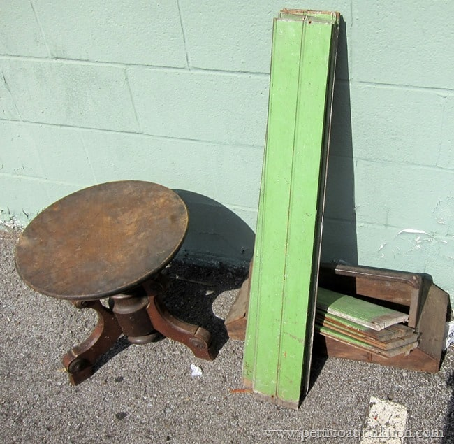 vntage green tongue and groove boards Nashville Flea Market