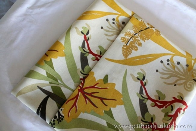 no sew pillow cover project Petticoat Junktion