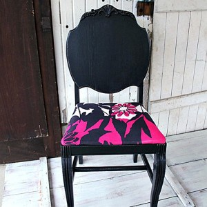 painted-chair-screams-drama-queen-Petticoat-Junktion-furniture-makeover.jpg