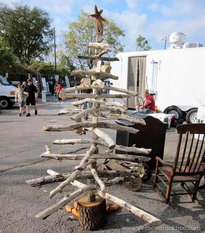 Woodsy DIY Christmas Tree | Nashville Flea Market ...