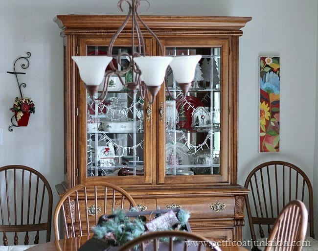 China Cabinet Petticoat Junktion