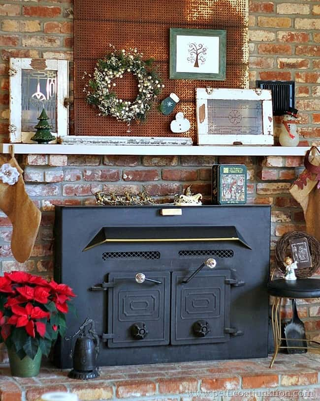 Christmas Mantel and Fireplace Petticoat Junktion