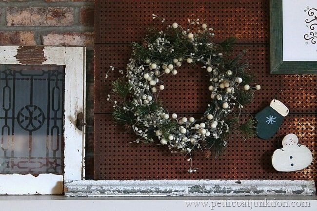 Christmas wreath mantel display Petticoat Junktion