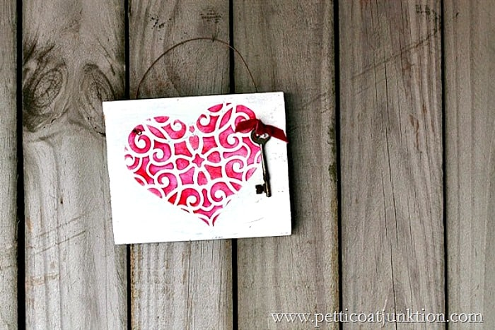 Stencil-a-red-heart-Petticoat-Junktion_thumb
