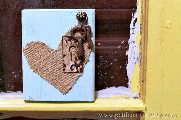 burlap heart Petticoat Junktion junk craft