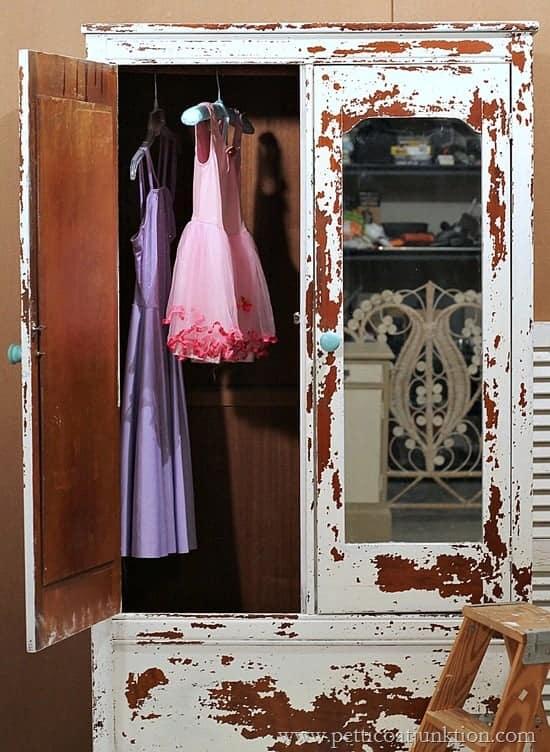 chippy milk paint project Petticoat Junktion