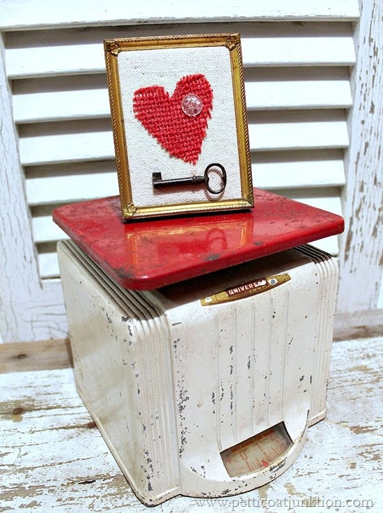 red kitchen scales and burlap heart Petticoat Junktion