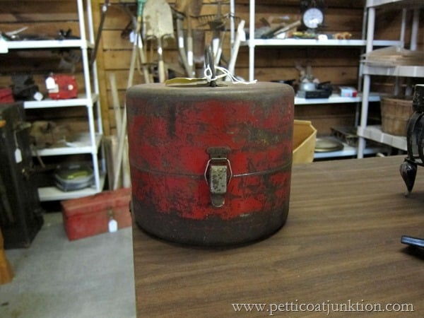 rusty red can Petticoat Junktion