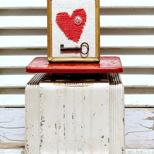 vintage-kitchen-scale-holds-the-key-to-my-heart-Petticoat-Junktion.jpg