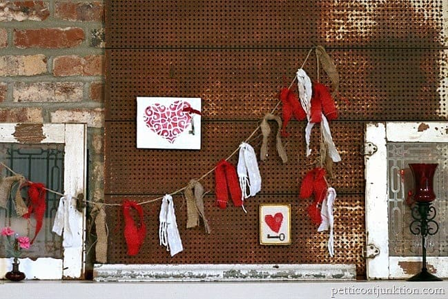 decorating with burlap garlands