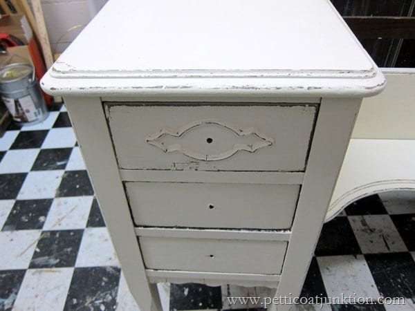 four furniture projects finished in one day Petticoat Junktion