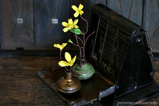 spring flower display Petticoat Junktion