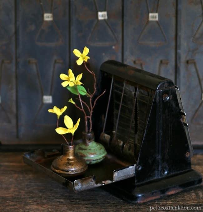 vintage door knobs flower vases Petticoat Junktion
