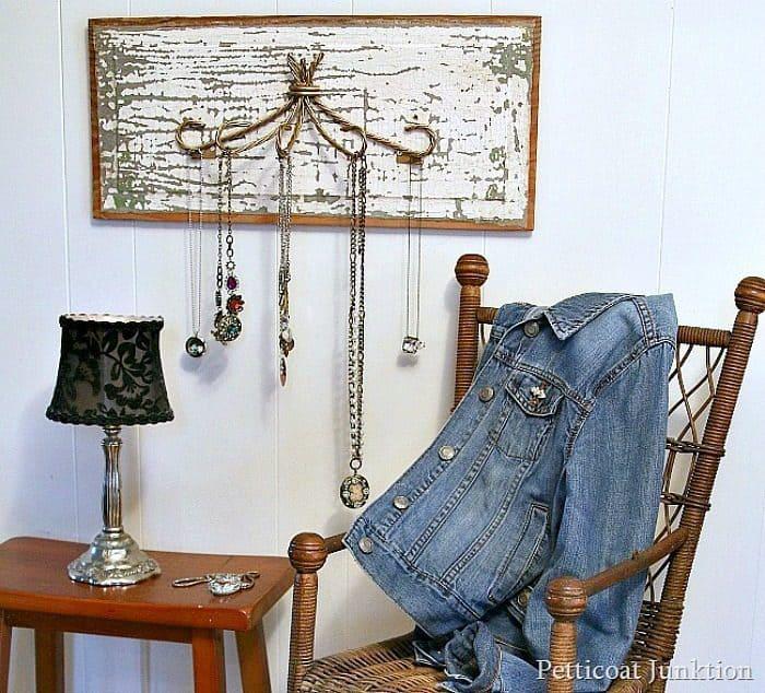 flip it necklace hanger or organizer diy project