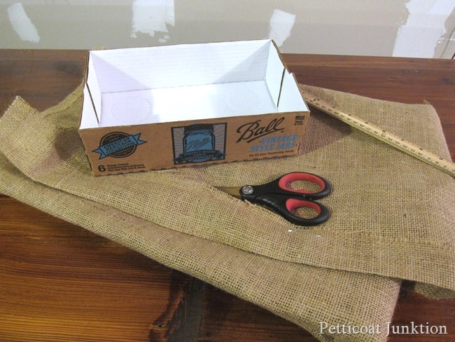 cutting burlap for mason jar craft Petticoat Junktion