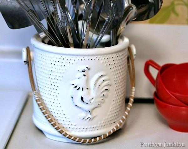 spray paint a utensil holder Petticoat Junktion
