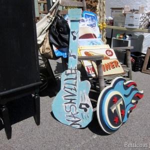 guitar-sign-Nashville-Flea-Market-Petticoat-Junktion-shopping-trip_thumb.jpg