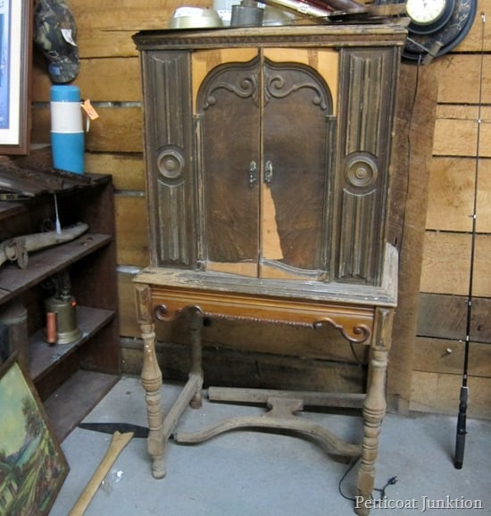 Should I buy the antique radio cabinet Petticoat JUnktion