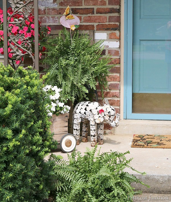 flowers summer porch tour Petticoat Junktion e.
