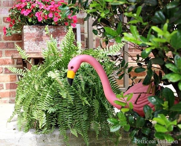 pink flamingo summer porch tour Petticoat Junktion e.