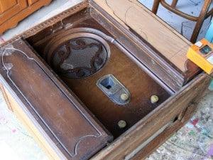 vintage-radio-Petticoat-Junktion.jpg