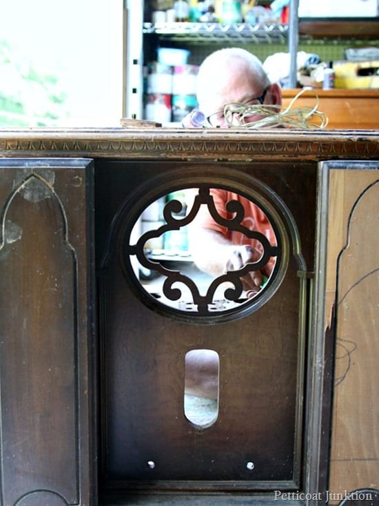 vintage radio cabinet project Petticoat Junktion