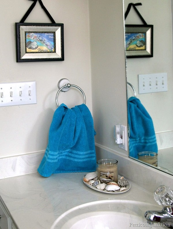 Yankee Candle American Home bathroom display Petticoat Junktion