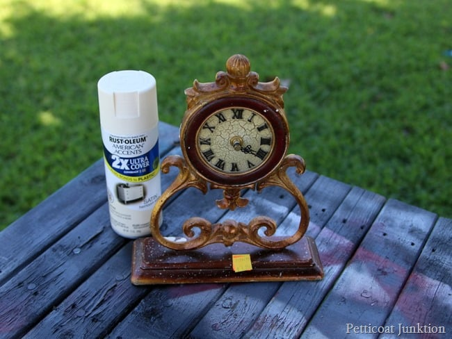 clock makeover Petticoat Junktion spray paint project