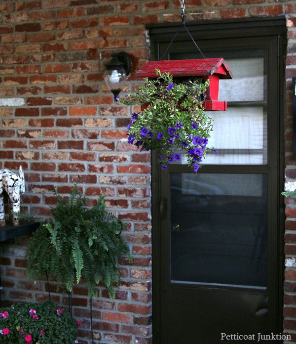 hanging flower planter Petticoat Junktion diy project