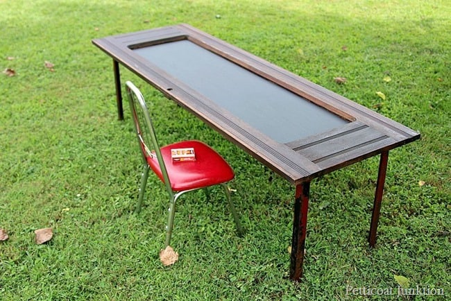 how to make a fun chalkboard table Petticoat Junktion