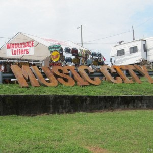 Rusty-Metal-Letters-are-in-Petticoat-Junktion-shopping-trip-Nashville-Flea-Market-1-.jpg