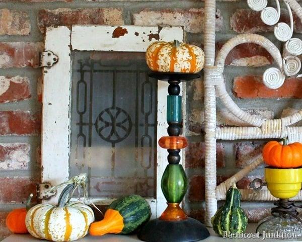 fall-display-mantel-decor_thumb