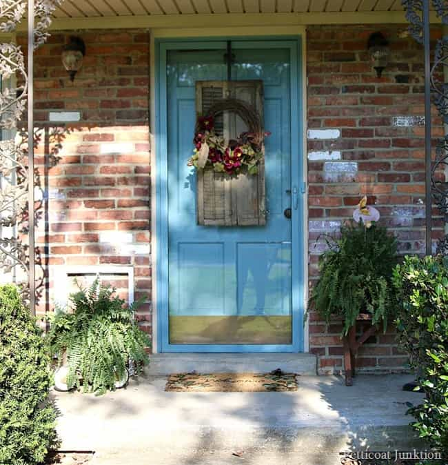 how to snazz up a wreath fall ideas tour Petticoat Junktion