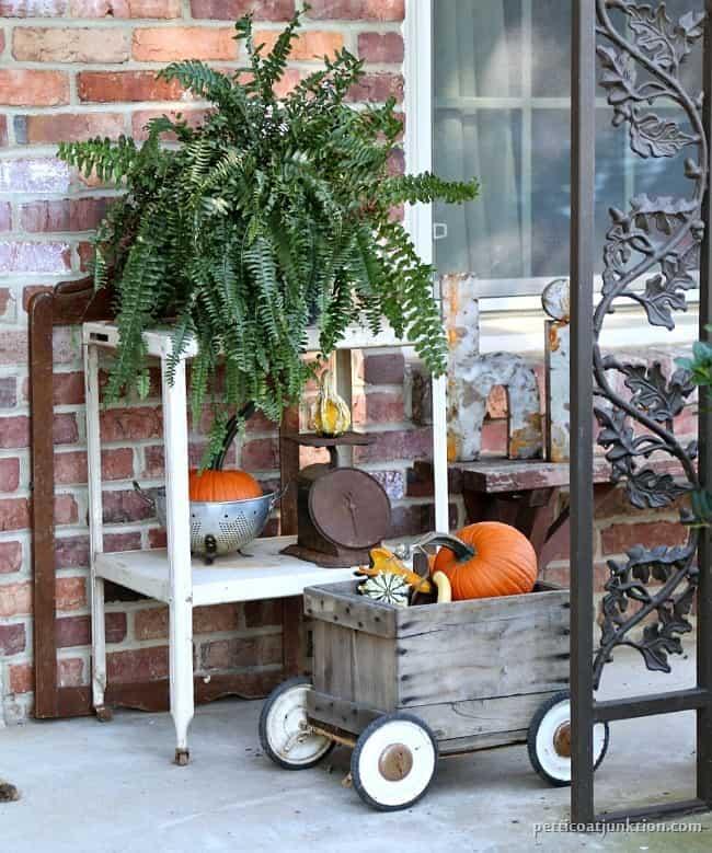 pumpkin decor Petticoat Junktion