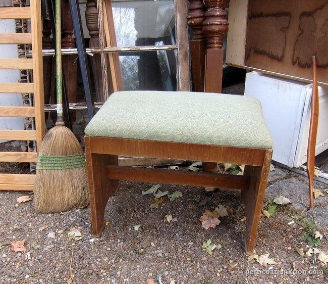 vintage vanity stool my favorite junk shop Petticoat Junktion shopping trip