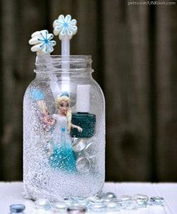 Elsa-Frozen-Mason-Jar-Gift-Idea-Petticoat-Junktion-2.jpg