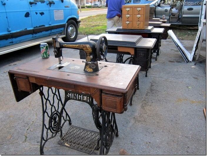 antique sewing machines My Favorite Junk Shop Petticoat Junktion