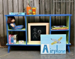 brightly-painted-kids-book-shelf-organizer_thumb.jpg